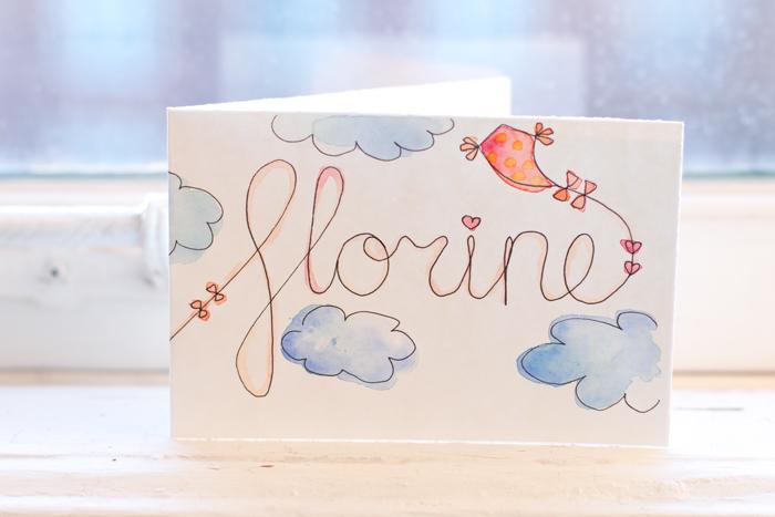 Verjaardagskaart meisje vlieger in de wolken