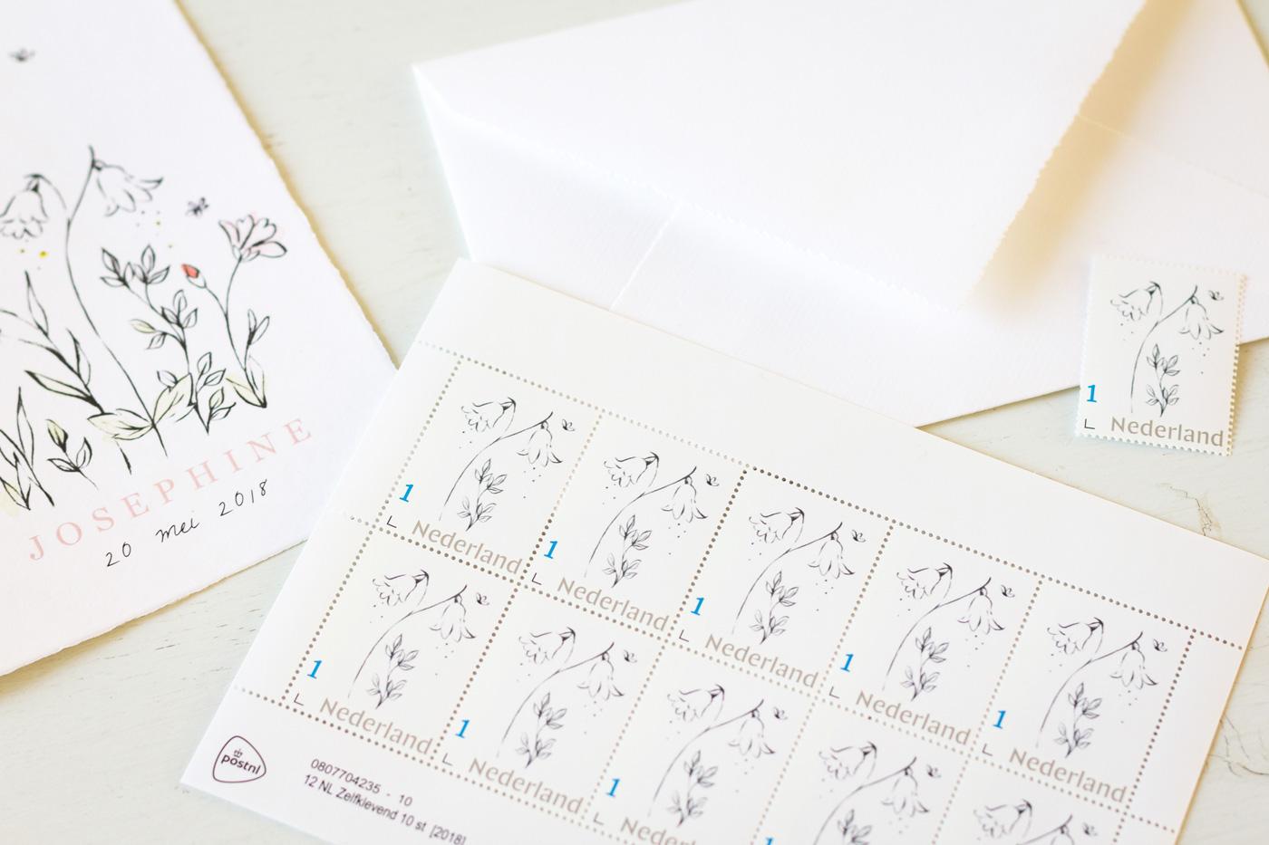 Geboortekaartje postzegels bloemen